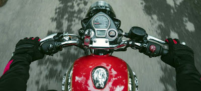 Royal Enfield Classic 350 console.