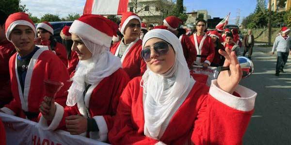 Hukum Memakai Atribut Natal Tidak Mutlak Haram