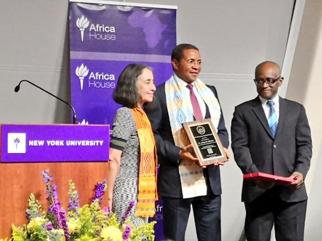 Kikwete Apewa Tuzo ya Africa House Presidential Award Nchini Marekani
