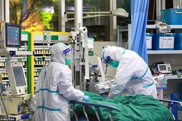 Quan chức Vũ Hán 'trộm' khẩu trang chuyên dụng viện trợ cho nhân viên y tế