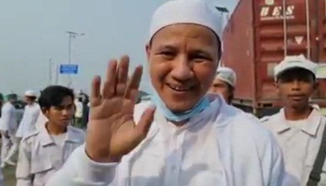 Cerita Habib Novel Jalan Kaki 8 KM, Ingin Rasakan Kangen Cucu Nabi