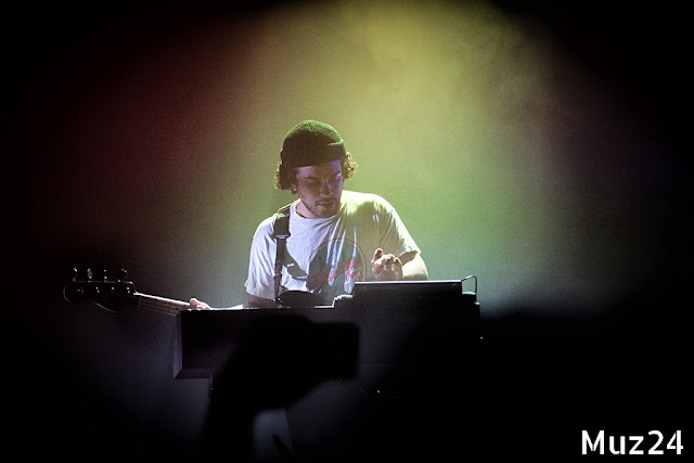 Фотографии с концерта PVRIS в клубе Известия Hall