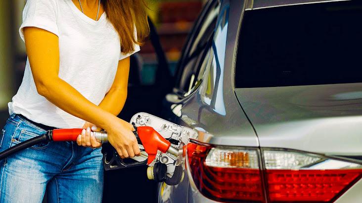 Gasolina sobe 2,53% na primeira quinzena de setembro, e retoma patamar de março