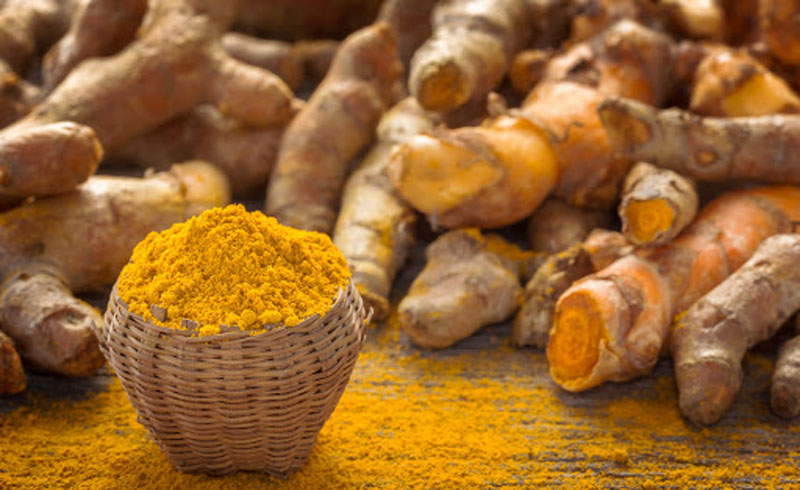Get Rid of Dark Circles and Age Spots With This DIY Turmeric Treatment