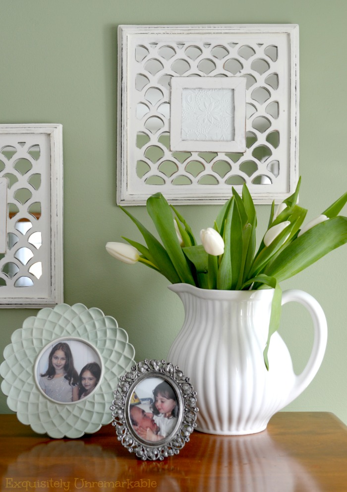 Decorating With Picture Frames