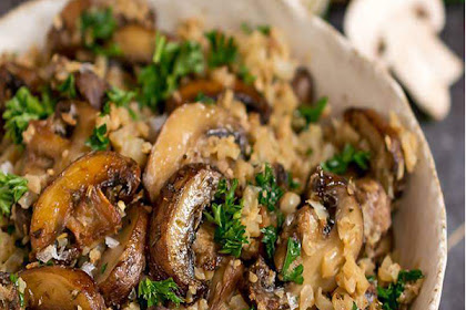 Low Carb Mushroom & Spinach Cauliflower Rice Recipe #mushroom #cauliflower #dinner
