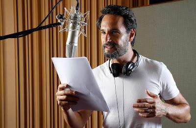 Rodrigo Santoro narrando a série (Foto: Marcos André Pinto)