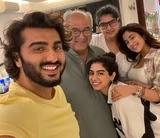 Arjun Kapoor with her sisters