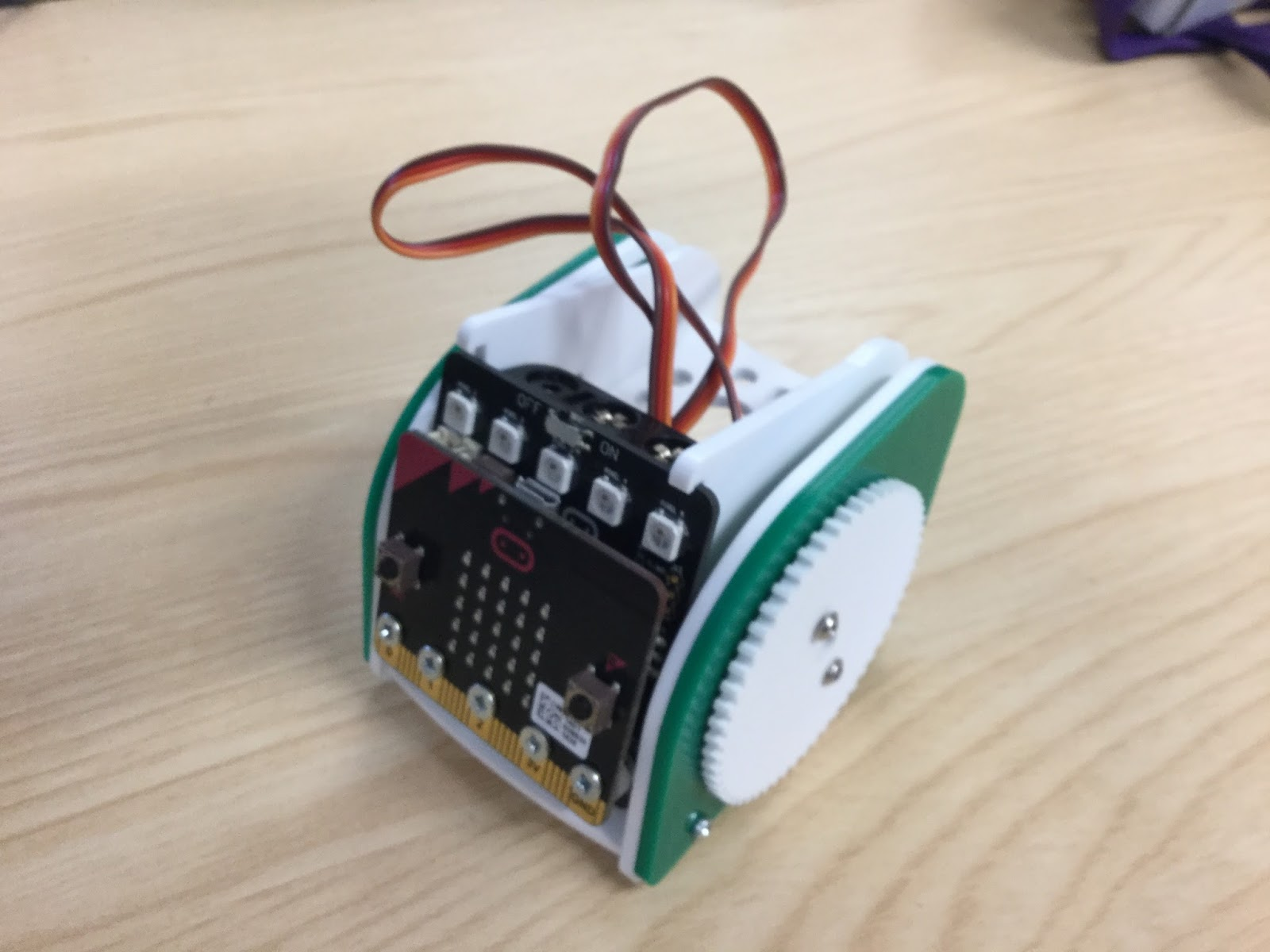 Robots and Physical Computing: kitronik :Move buggy (Python