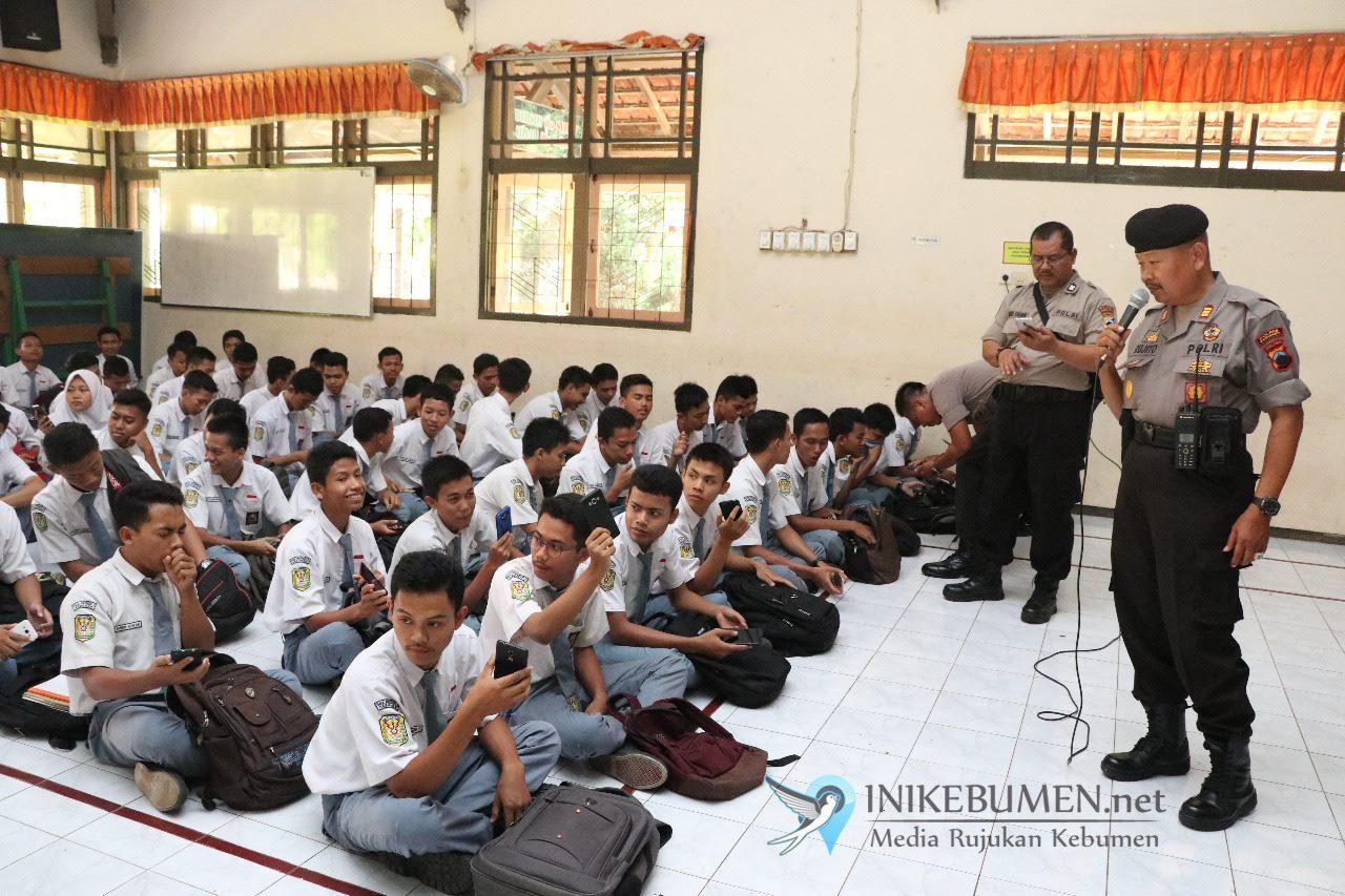 Mau Jadi Calon Polisi, Polres Kebumen Minta Pelajar SMK Negeri 2 Siapkan Fisik dari Sekarang