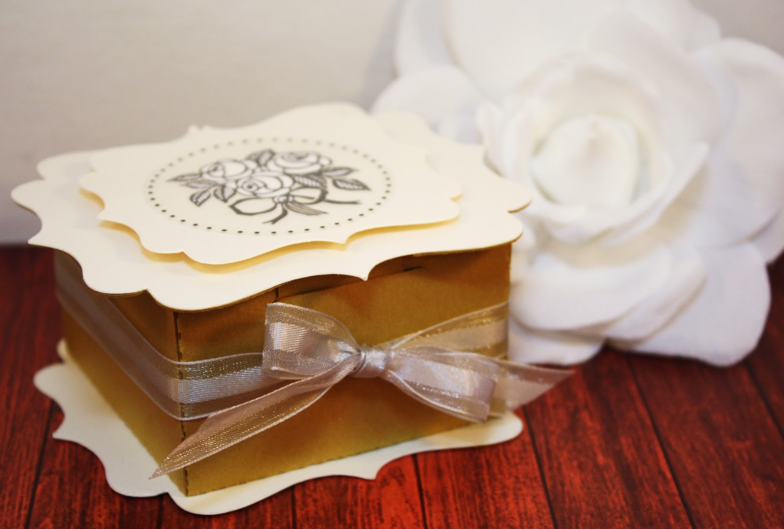Elegant Favor Box