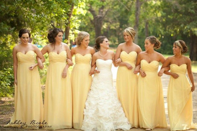 Brides & Bridesmaids Fashion: Top 3 Colors Bridesmaid
