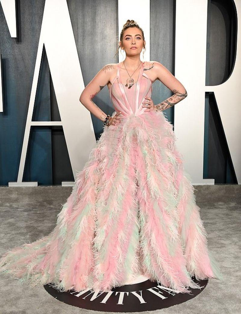 Paris Jackson Clicks at 2020 Vanity Fair Oscar Party in Beverly Hills 9 Feb-2020