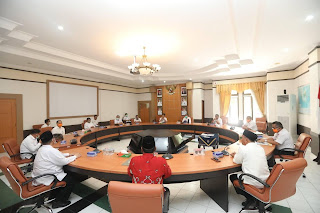 Wali Kota Tarakan Menandatangani Naskah Hibah dan Berita Acara Serah Terima Hibah Aset Tanah - Tarakan Info