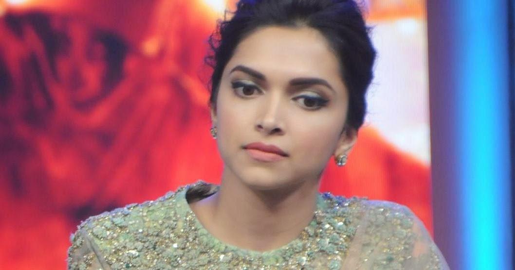 Deepika Padukone Looks Stunning In Saree At Film 'Happy