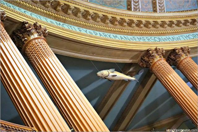 Sacred Cod en la Cámara de los Representantes en el Massachusetts State House