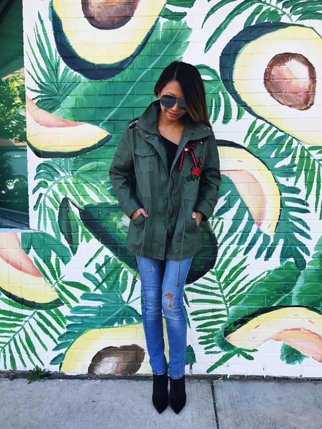 How to Style a Cargo Jacket, Cargo Jacket Style Steal, Cargo Embroidered Jacket, Chicago Best Murals, Chicago Best Walls, The Best Spots to Take Instagram Photos in Chicago