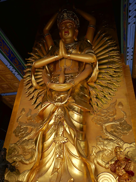 Avalokitesvara (Guanyin) statue at the Zhulin Temple in Xuzhou