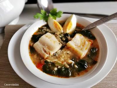 Arroz con espinacas y bacalao