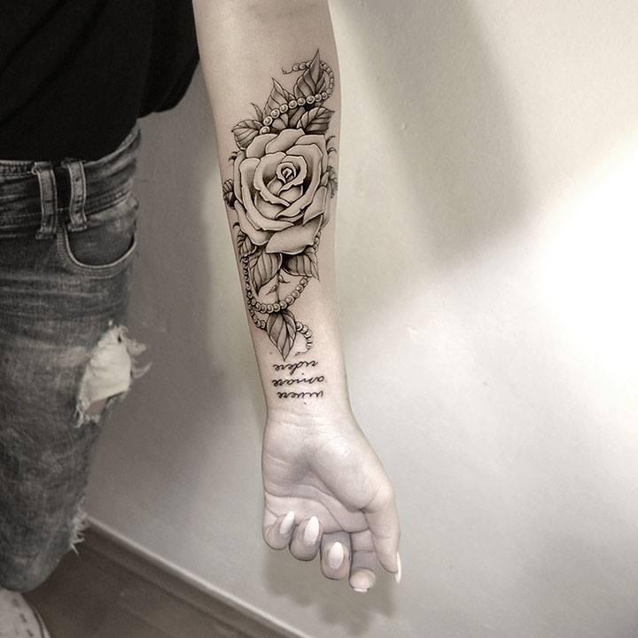 Tusz Pod Skórą Symbolika Róży W Tatuażu