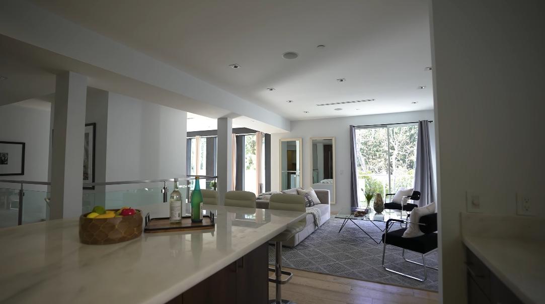 30 Interior Design Photos vs. 1432 Lindacrest Dr, Beverly Hills, CA Luxury Home Tour