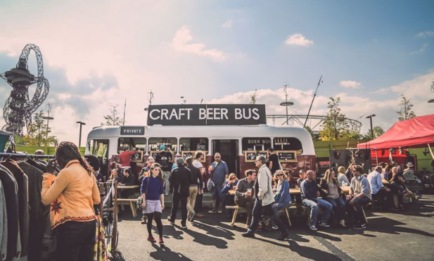 Be a Hit With Your Wedding Guests With The Craft Beer Bus