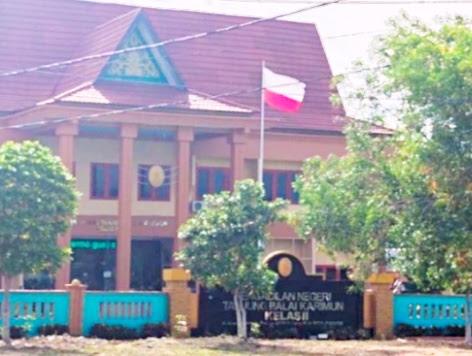 Kibarkan Bendera Merah Putih Terbalik, Ini Penjelasan Ketua PN Karimun