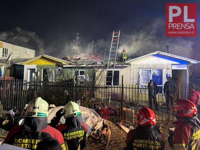 Incendio afecta a 3 viviendas en Puerto Montt