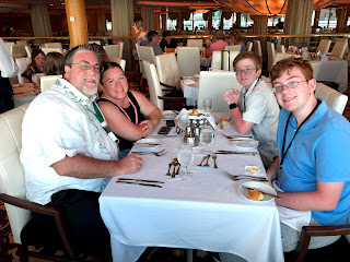 David Brodosi and family dinner aboard the cruise ship