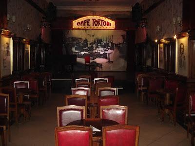 Área destinada ao tango. Café Tortoni