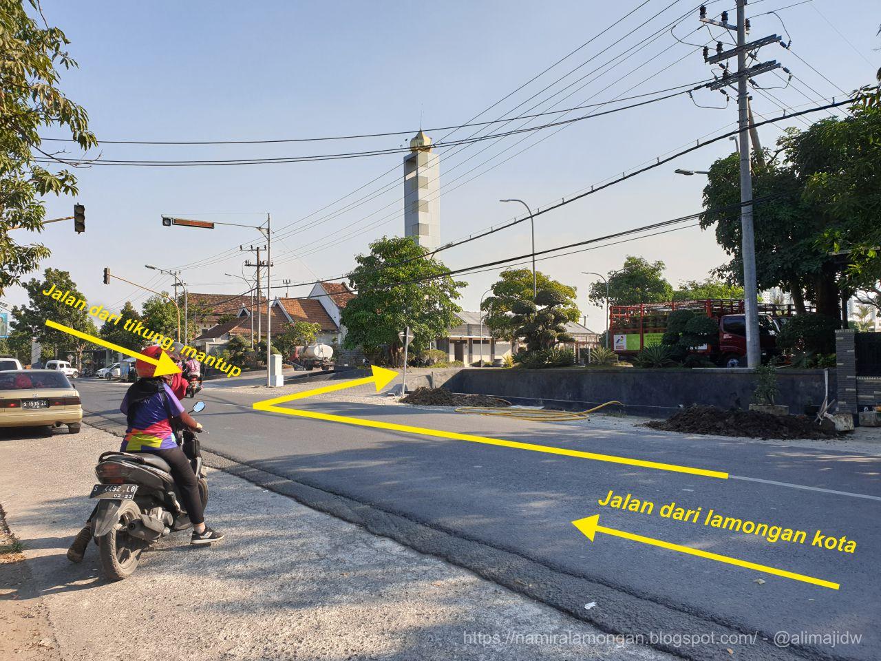 Jalan ke Masjid Namira Lamongan