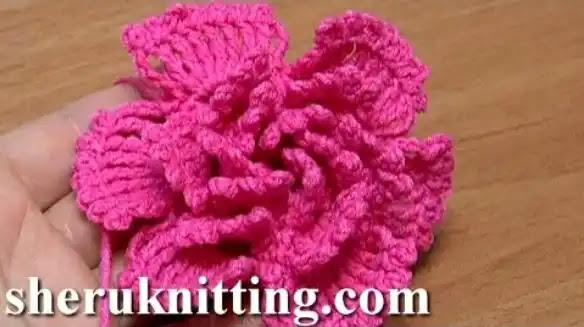 Flor de Pétalos Grandes a Crochet