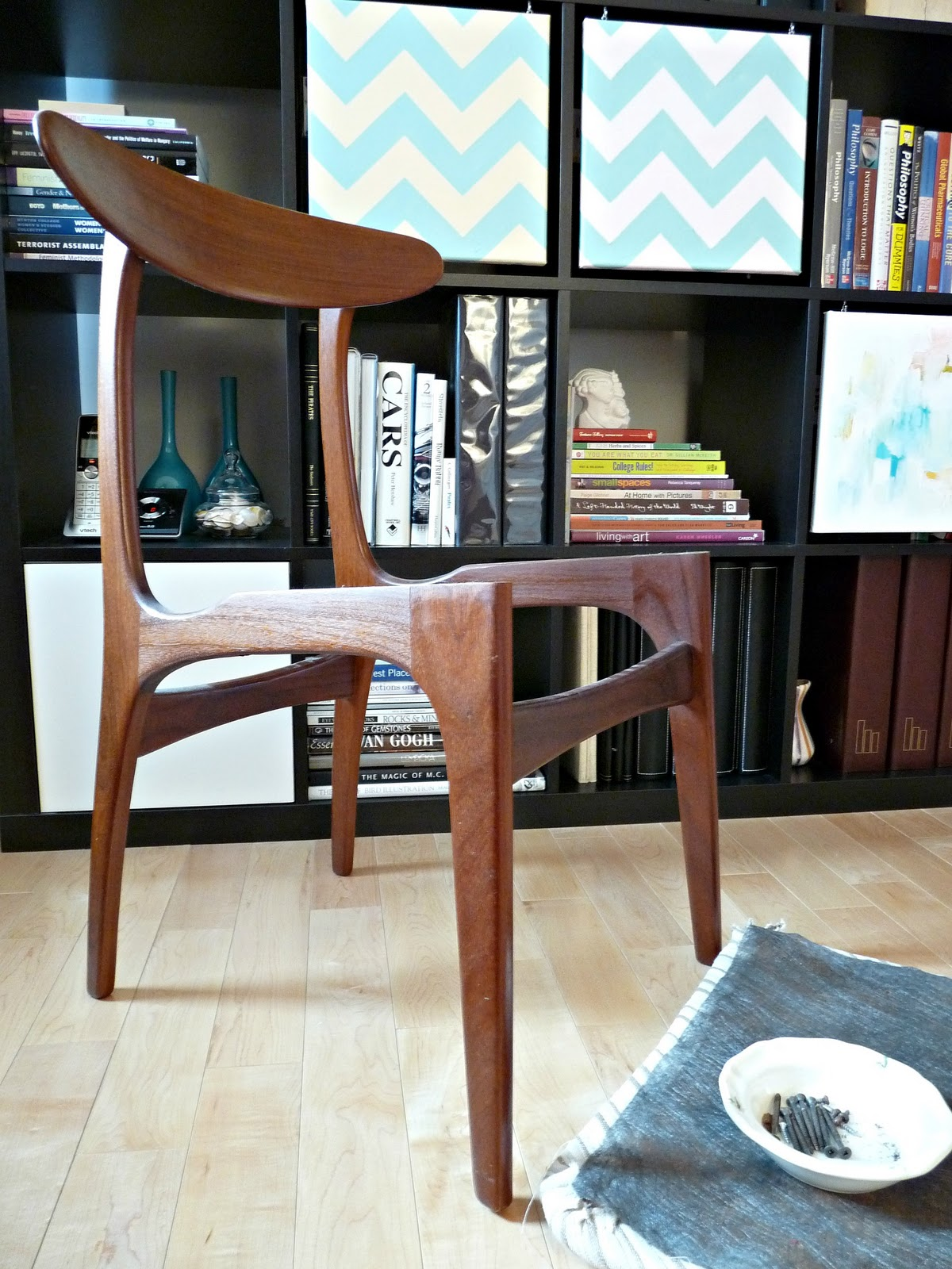 upholstering a chair chairpro europe how to reupholster dining chairs diy houndstooth