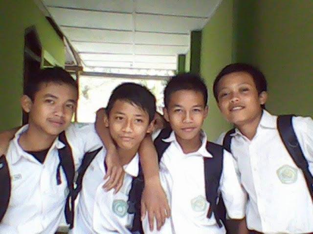 teman-teman saat SMP