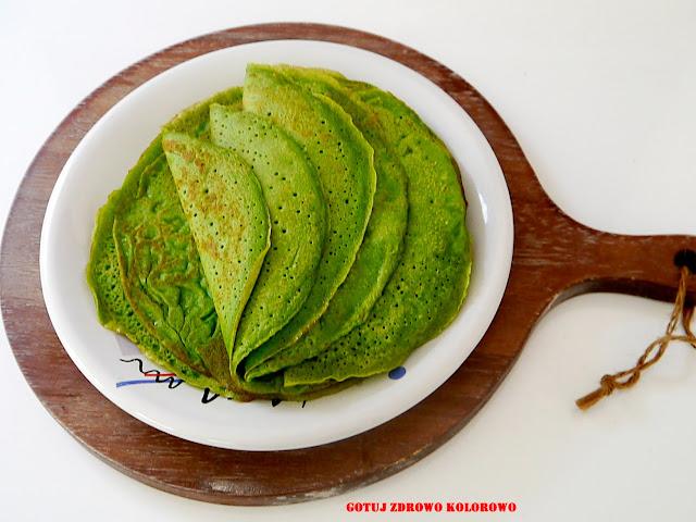 Zielone naleśniki jarmużowe z kurkami - Czytaj więcej »
