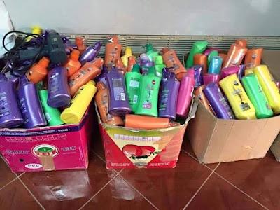 Shampoo Tiruan Thailand. Berhati2 membeli. Dah banyak kejadian pembeli terbeli hampoo berjenama tiruan yang dibuat dari bahan-bahan kimia yang merbahaya.