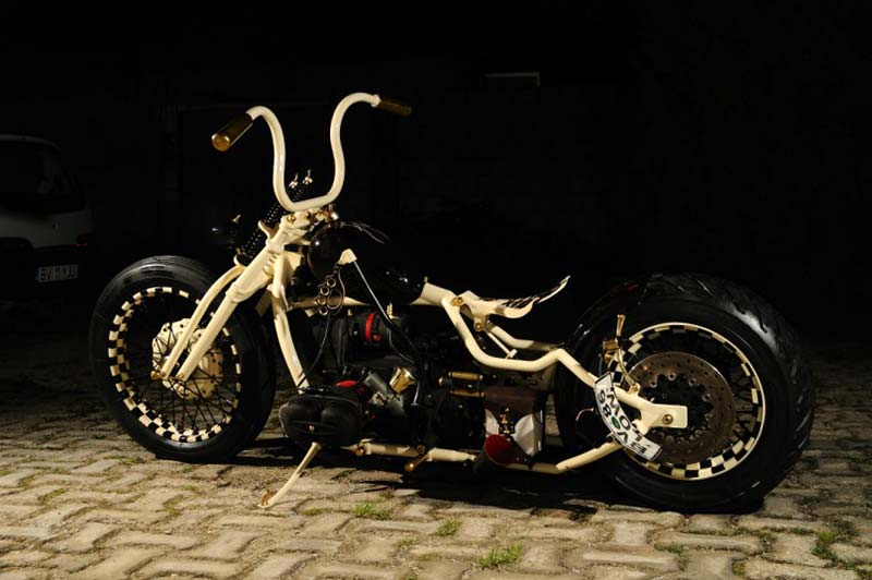another look at a custom Dnepr bobber