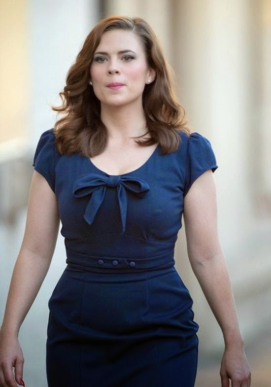 Hayley Atwell Keeps Her Warmly In A Long Dress On Jimmy