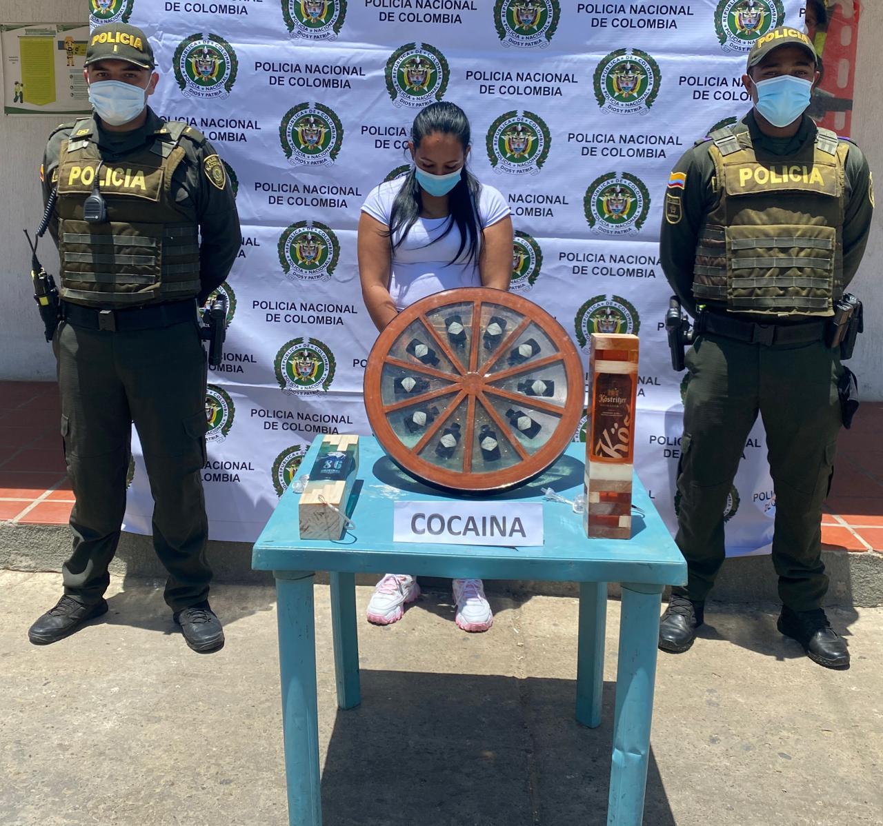 hoyennoticia.com, Mujer en Maicao cayó con cocaína liquida