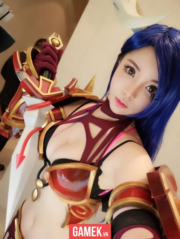 lang nhan sexy queen of pain cosplay 03