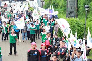 Aksi afiliasi Aspek Indonesia  saat Aksi solidaritas tolak union busting mirah sumirat