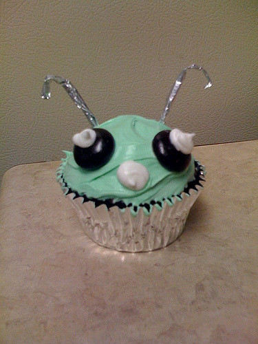 green alien cupcake design