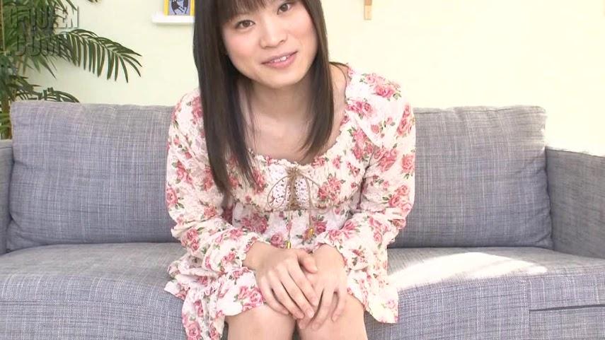 G-Queen HD - SOLO 355 - Tr?¤umend - Chika KamiyaTraumend 01