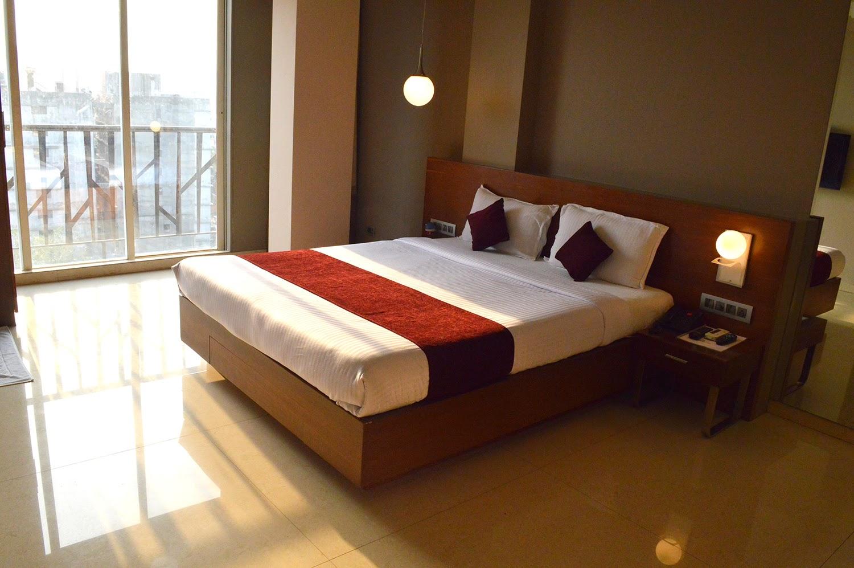 Review: OYO Rooms Sher-e-Punjab, Mumbai