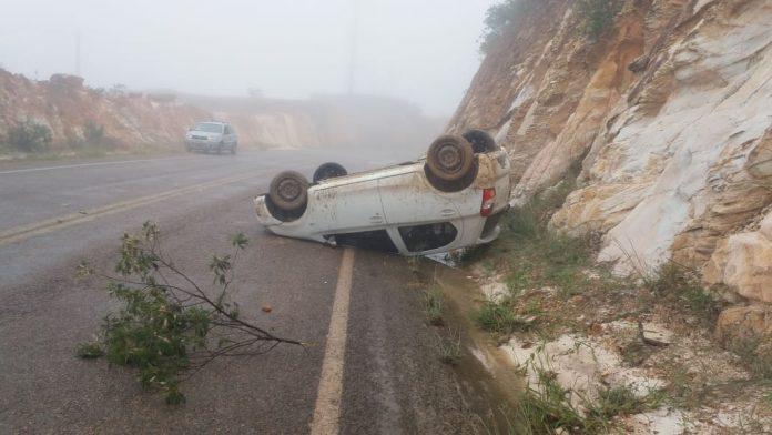 Rio de Contas: Veículo tomba após motorista perder o controle da direção