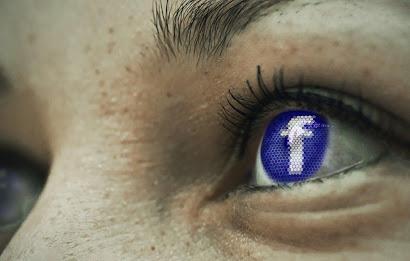 لماذا-اختار-زوكينبيرغ-اللون-الأزرق-لموقع-الفيسبوك؟