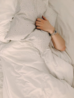 Sleepless,sleepingproblems,overthinking