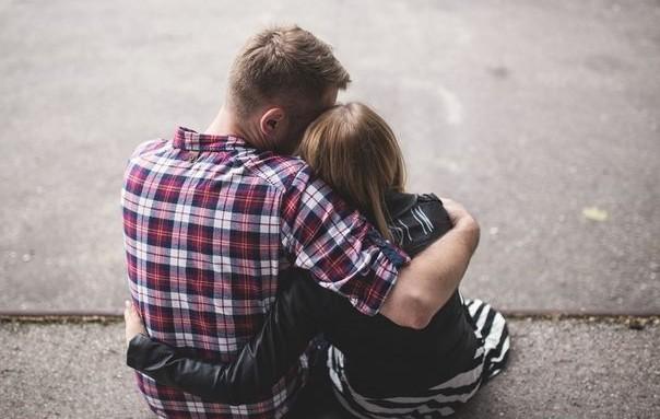 6 φράσεις που καταστρέφουν τη σχέση σου (και τις λες συνέχεια)