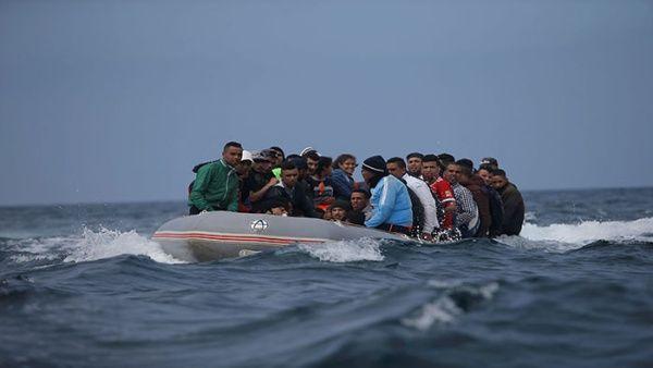 Autoridades españolas buscan a 22 migrantes en el Mediterráneo