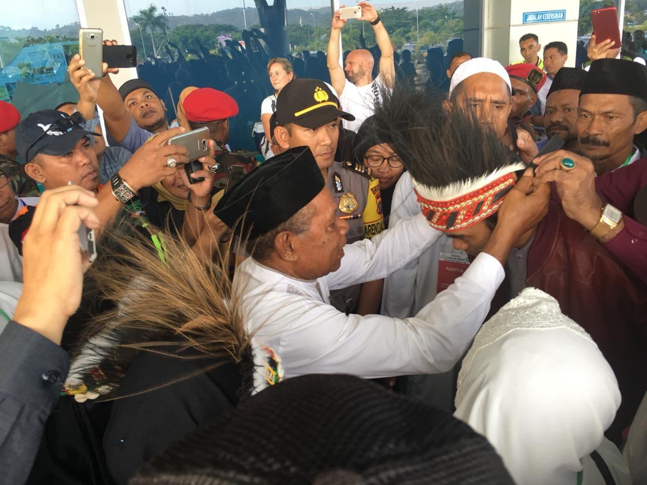 Disambut Langsung Ketua Adat, Ini Jadwal Safari Ustadz Somad di Papua